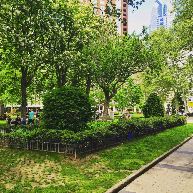 [Gorgeous greenery at Rittenhouse Square- so lush!]